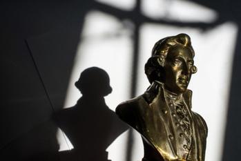 貧乏モーツァルトと金持ちプッチーニ