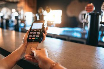 消費税増税前に行いたい!キャッシュレス決済の導入を考える飲食・小売業者へのアドバイス