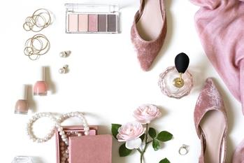 女性,ファッション,サブスクリプション,定額サービス