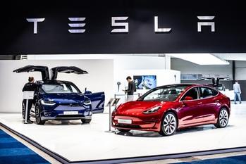 Tesla,PSA,問題解決アプローチ