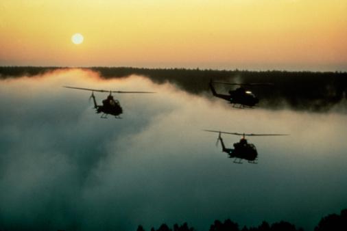 軍需・防衛産業と関わりの深い関連銘柄10選 注目はどこ?