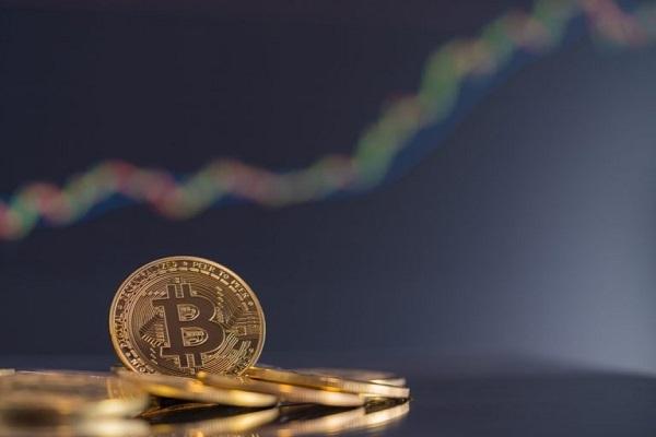 ビットコイン続伸、最高値更新に向け6万ドル目指す