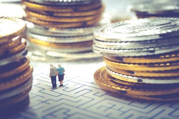 高齢者の金融トラブルの現状と対策