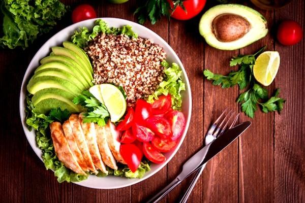 食品業界のオーナー社長を開拓したい営業マンが見るべき業界紙6選