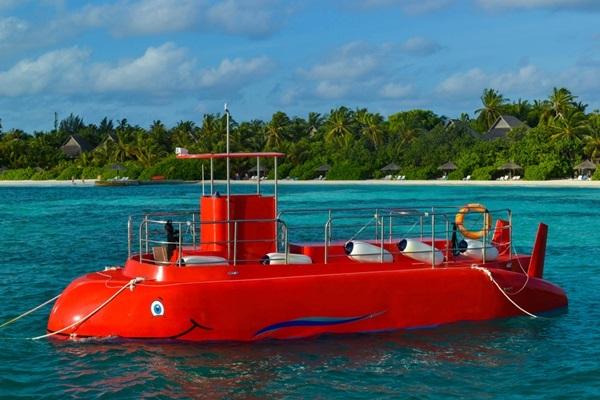 海中散歩,潜水艦ツアー