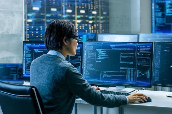 ICT, 人材, 中国