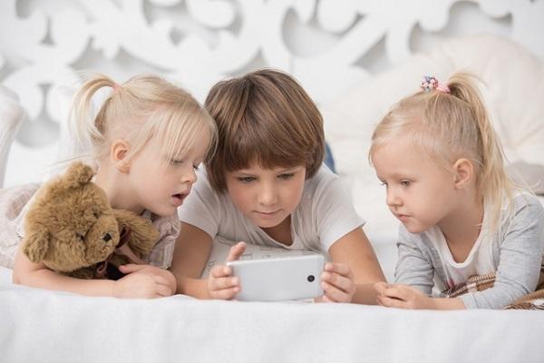 テクノロジー依存症,デジタル,IT