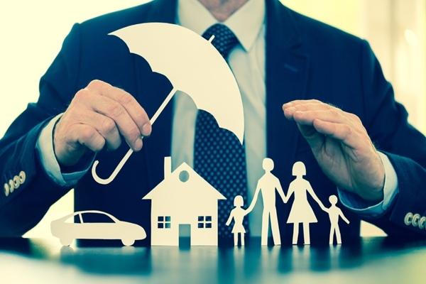 損害保険リサーチ,調査会社の役割