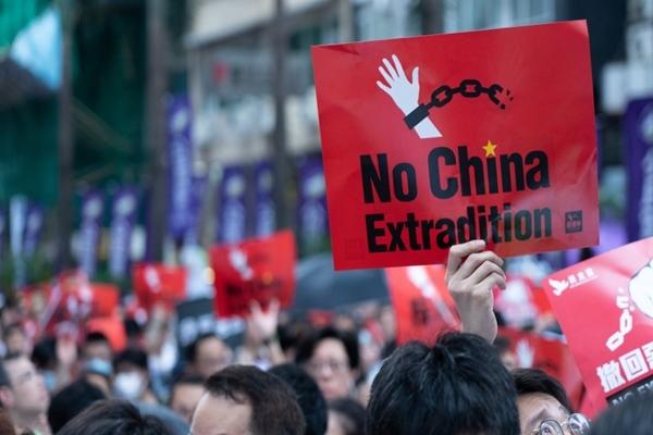 香港デモ,海外口座,富裕層