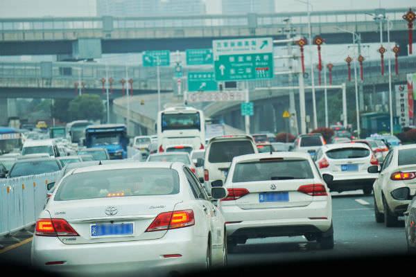中国経済,ネット取引,中古車市場,日本車