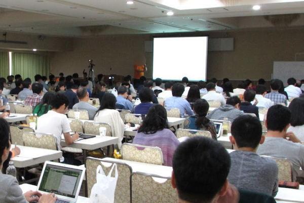 御井屋さんの講演にはたくさんの参加者が!(写真=筆者撮影)