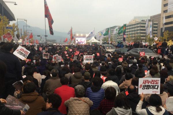 韓国,スキャンダル,パク・クネ,朴槿恵,崔順実