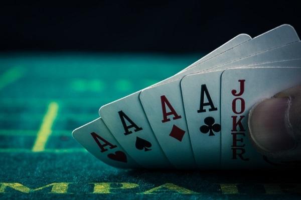 ポーカー,富裕層,ファイブカード