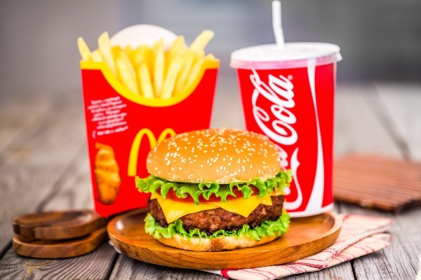 マック、ケンタッキー、モス……食品ロスと廃棄物の削減で本気度の高いファーストフードは?