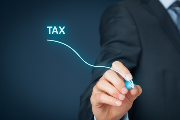 平成の30年間で税などの負担はどれだけ増加した?ビジネスマンも節税意識が必要な時代