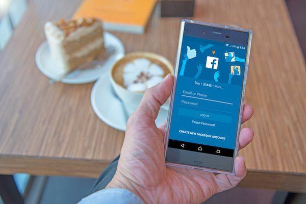 Facebook、SNS,広告