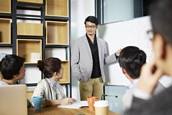 リクルートの営業コンサルが教える 自分で動く若手営業の育てかた